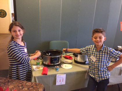 Sabine and Quentin win the veg. chili contest